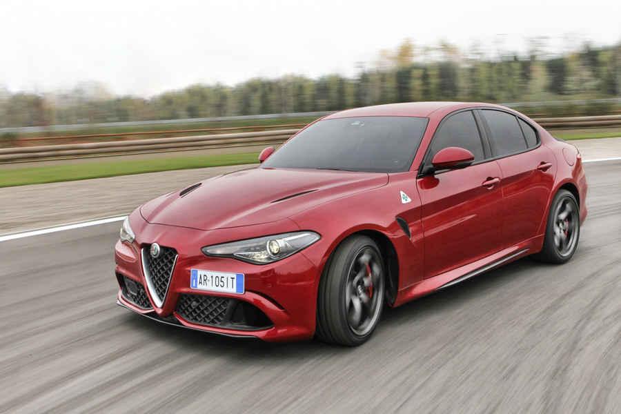 Alfa-Romeo-Giulia-Quadrifoglio-43