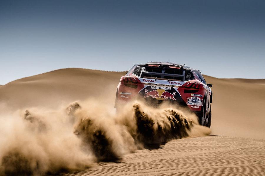 Peugeot-2008-DKR-Silk-Way-Rally-Tappa-9