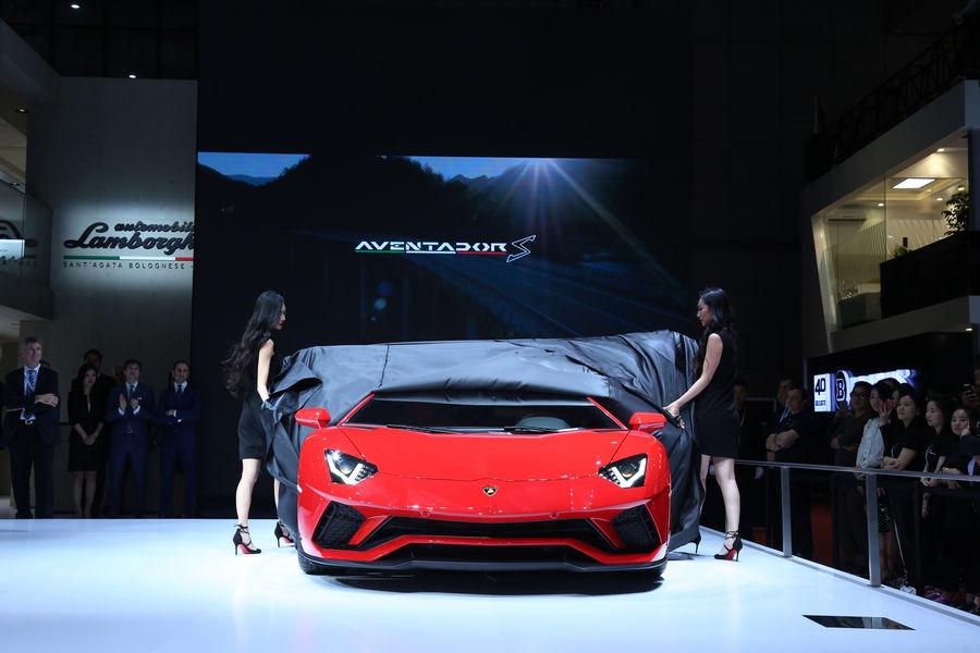 Lamborghini-Aventador-S-Shanghai-2017